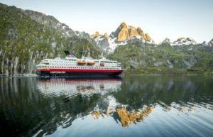 Hurtigruten - Trollfjord