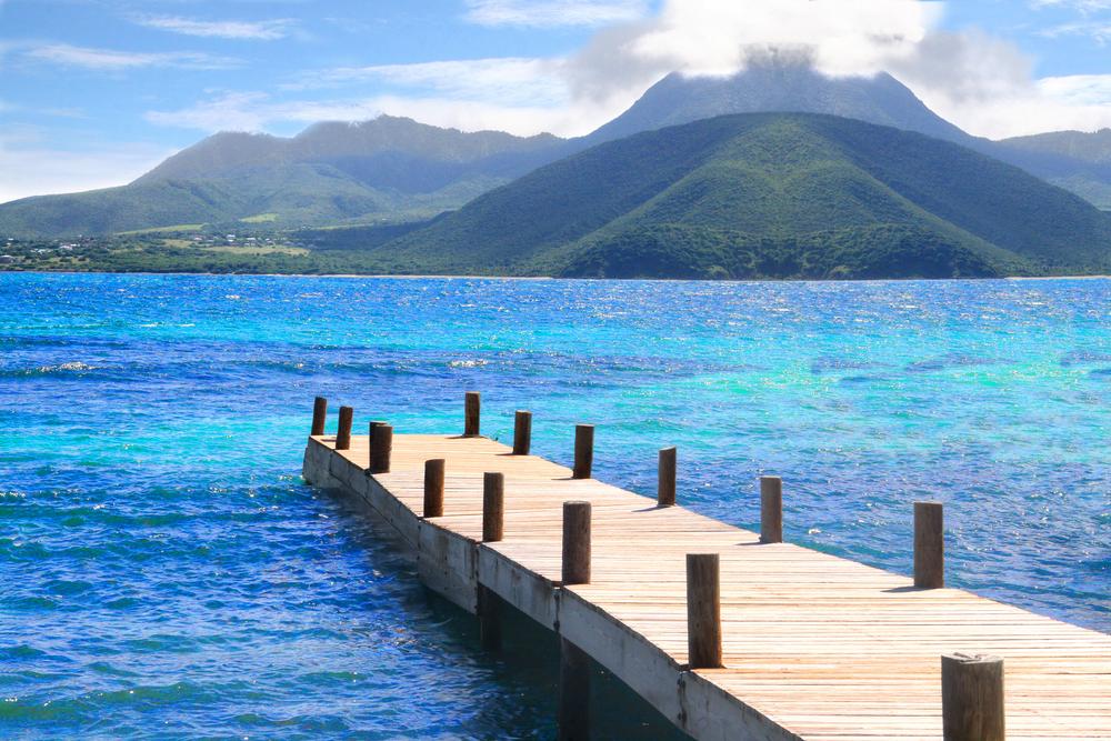 Nevis Steg ins Meer, Tripodo.de