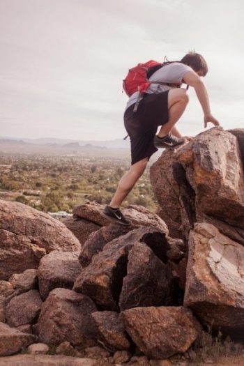 hiking-691986_1920