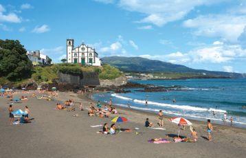 Strand auf São Miguel