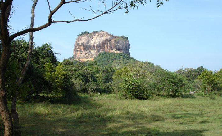 Sigiriya Rock - von Ferne