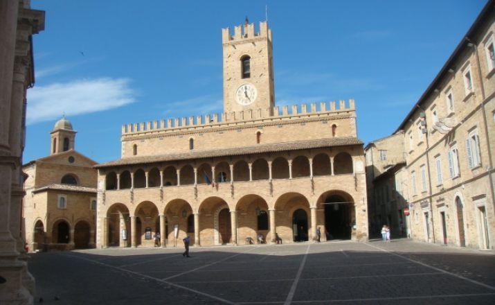 Der Edelstein Italiens - Le Marche UHK Spezialreisen Italien UG (haftungsbeschränkt) & Co.KG 1