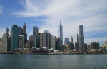"""-Wer New York sagt, bezieht sich oft auf Manhattan, die Insel, die die kultigsten Orte im """"Big Apple"""" konzentriert."""