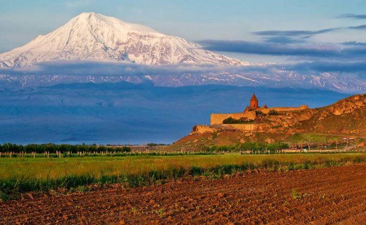 AUF DEN SPUREN DES CHRISTENTUMS Travel Armenia 1