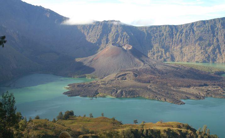 Indonesien entdecken - Klassische Rundreise über Java nach Bali IndochinaTravels GmbH 1