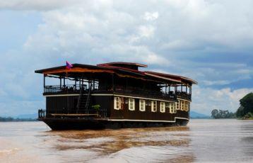 Vat Phou - Schiff