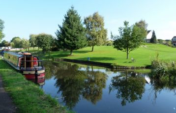 Narrowboat Idylle