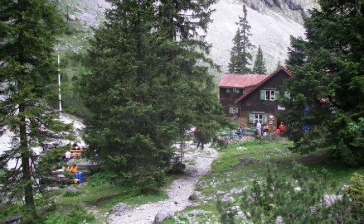 Höllentalhütte